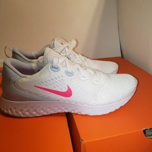 Women's Running Shoe Nike Legend React